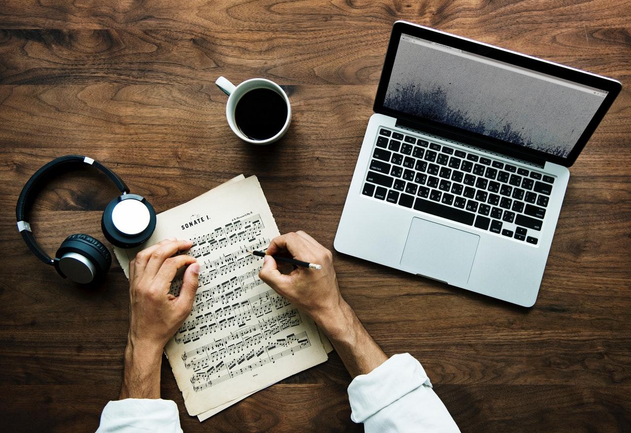オリジナルの曲の作曲の方法